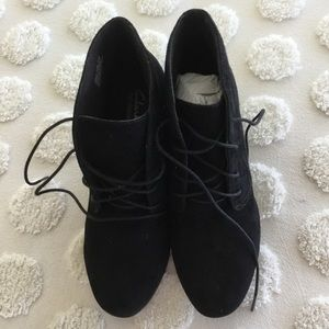 Clark's suede lace up wedge black booties. 7 1/2 M